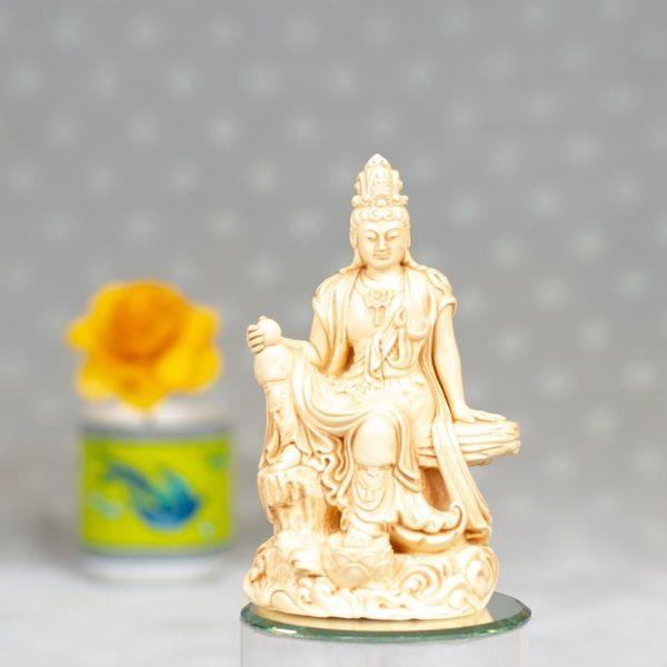 Estatua Kuan Yin relajación real resina