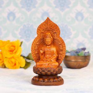 Estatua Kuan Yin trono flor de loto madera